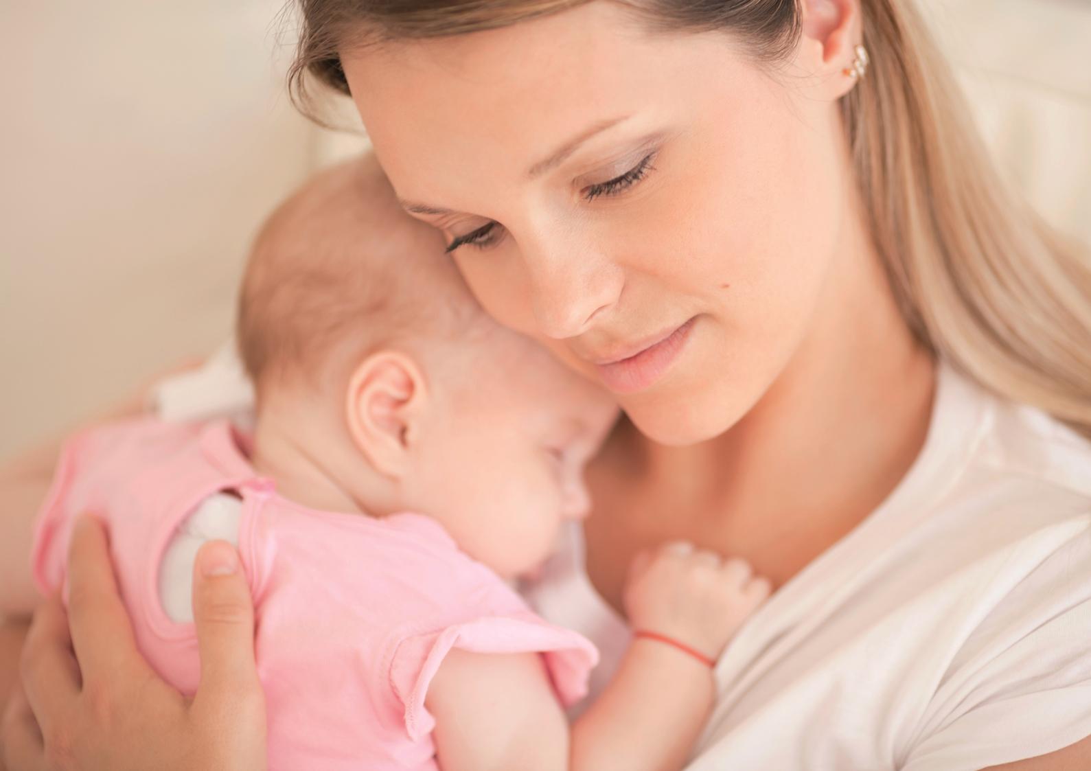 Mutter mit Baby - kleiner